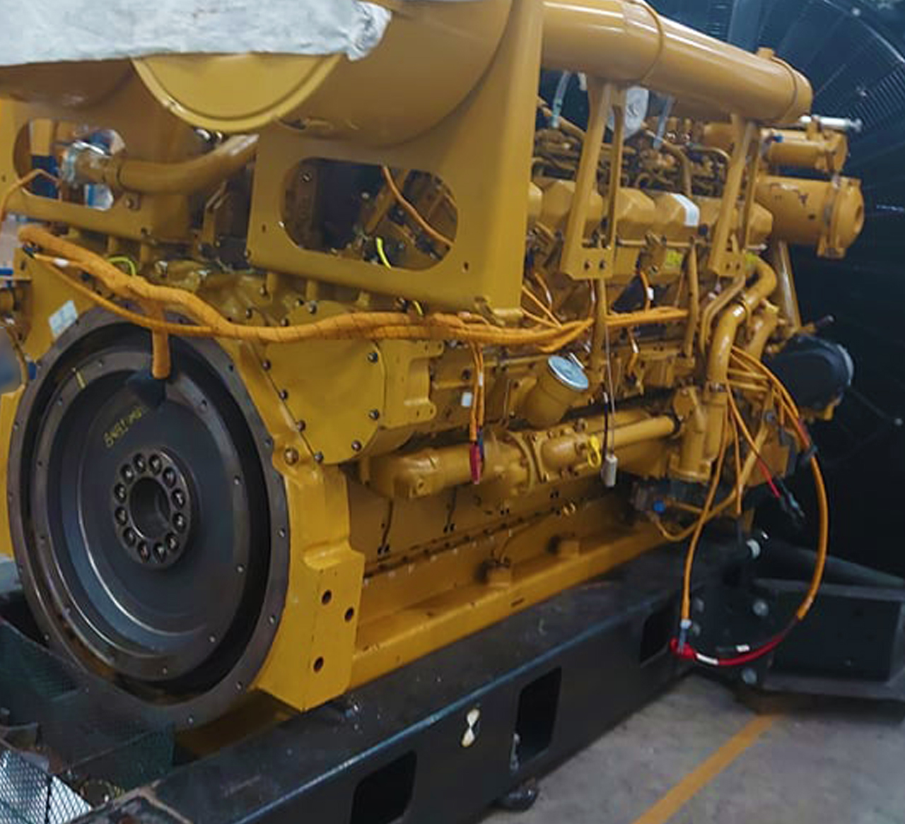 0YBB00405 Cat 3512B 1360 kW 01